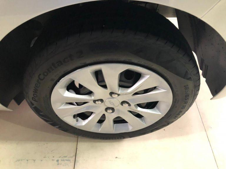 Onix Hatch LT 1.0 12v