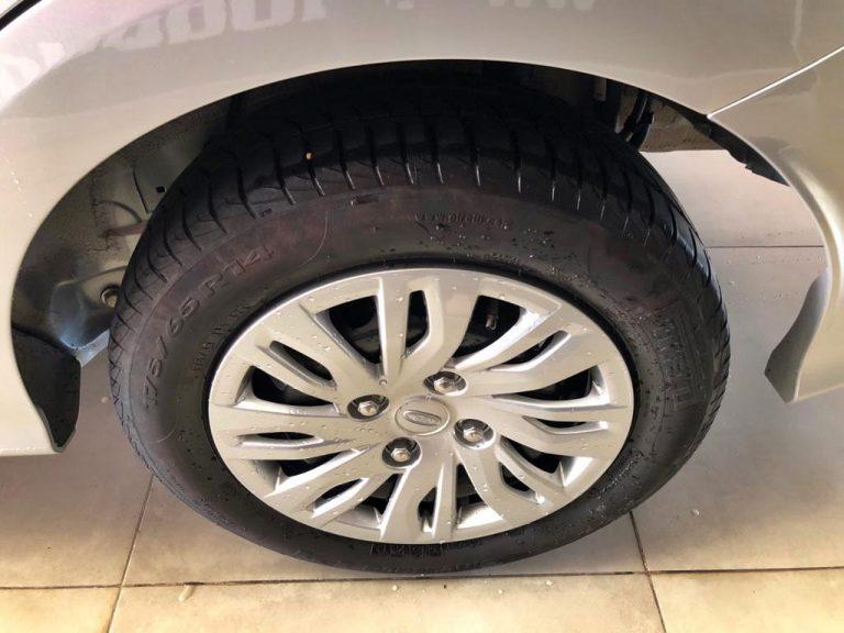 Ka 1.5 Sedan SE 12V Flex 4p Mec.